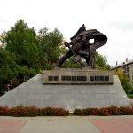 Памятник «На новый путь» в Челябинске