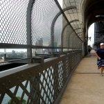 Пешеходная часть моста