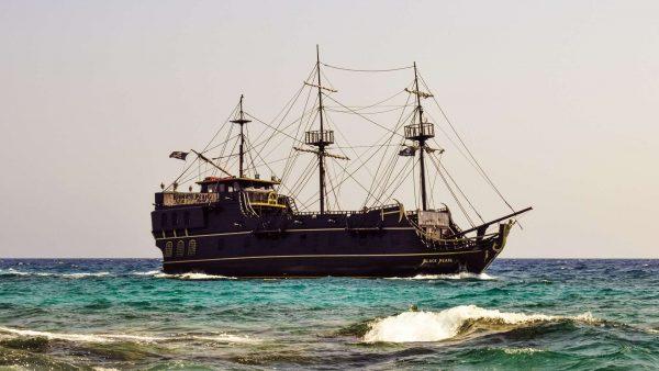 Пиратский корабль «Чёрная жемчужина»