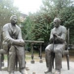 Памятник Садриддин Айни и Максим Горький