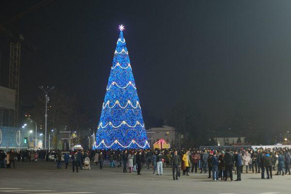 Новогодняя ёлка в Душанбе