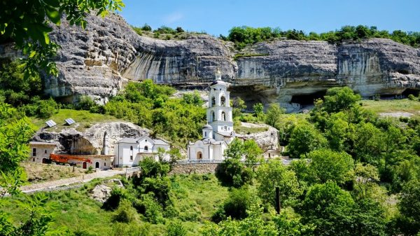 Успенский Анастасиевский монастырь недалеко от Бахчисарая