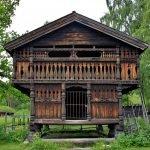 Норвежский Народный музей, двухэтажный дом из дерева