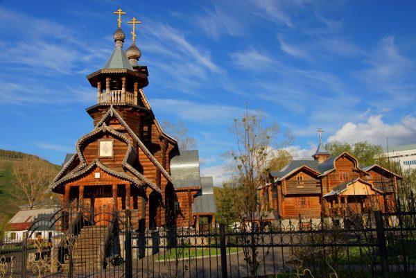 Храм Макария Алтайского